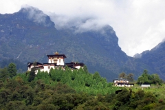 gasa_dzong_summitpost.org_